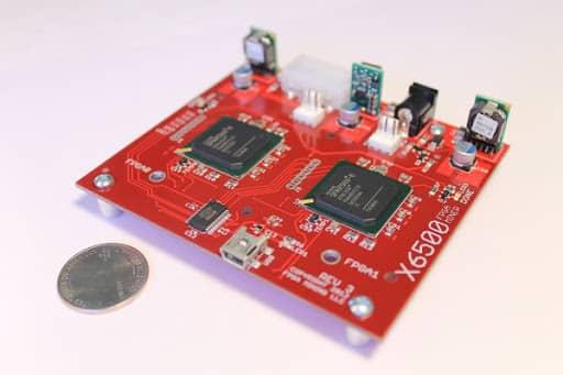 مدار مجتمع دیجیتال برنامهپذیر (FPGA)